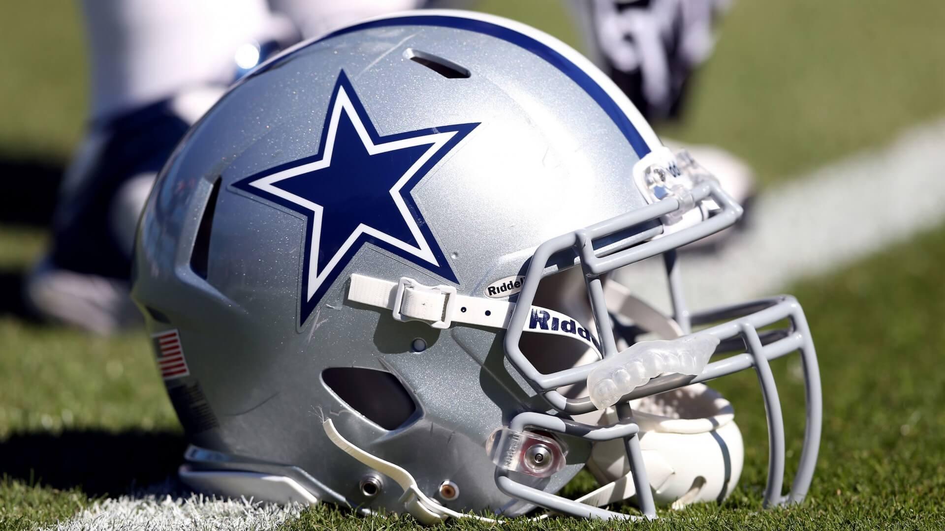 Dallas Cowboys'tan Mark Paul İçin Saygı Duruşu | Korumalı Futbol Türkiye